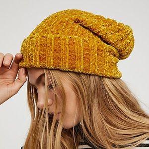 Free People Huggy Bear Chenille Beanie Warm Hat ✨